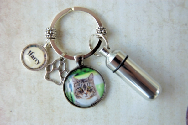 Pet Memorial Cremation Key Ring 1